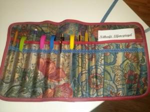 Mit Pinseln oder Stiften befüllt ein schönes und praktisches Geschenk.