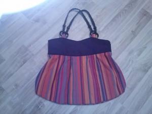 Diese Tasche ist ganz toll geworden und wird gerne benutzt.
