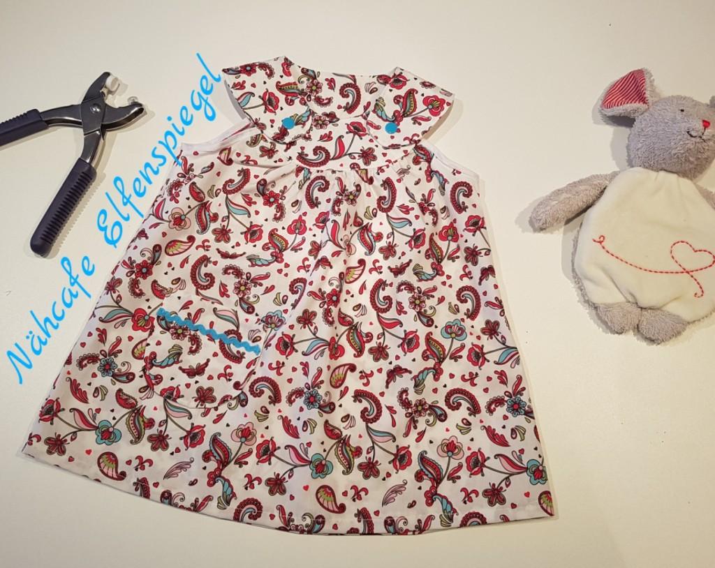 Klitzekleines Kleidchen, mit Liebe genäht für ein klitzekleines Mädchen.
