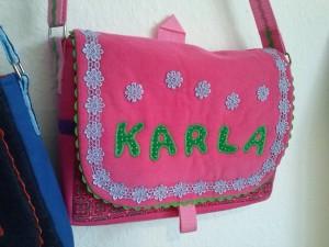 Taschen mit Namen drauf sind auch ein beliebtes Geschenk.
