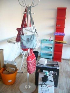 Alle Einrichtungsgegenstände wurden so lange hin und hergeschoben, bis jedes Teil einen guten Platz gefunden hatte.